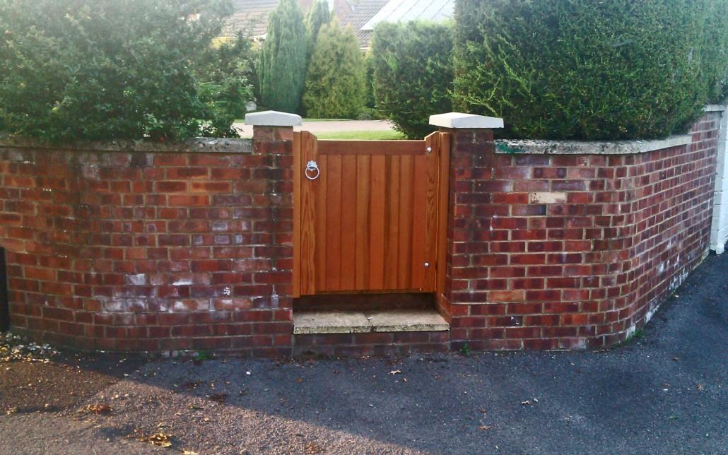 Nunney Cedar Single Garden Gate