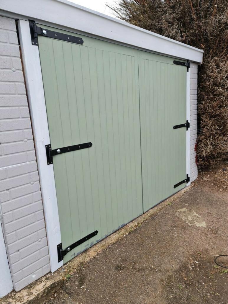 Leighton Garage doors